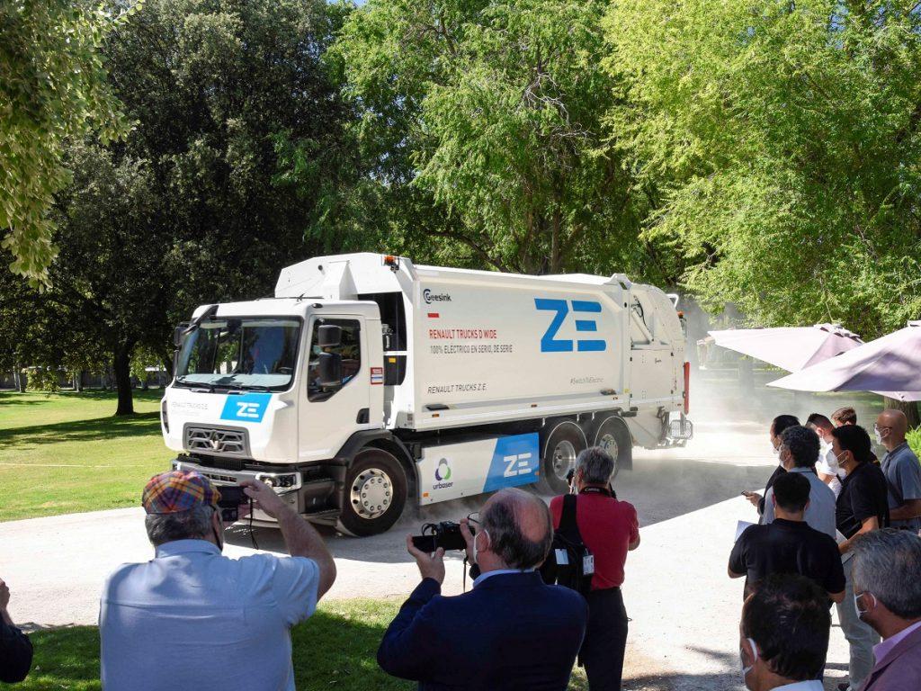 Renault Trucks y Urbaser apuestan por la sostenibilidad con la entrega del primer camión 100% eléctrico de serie en España