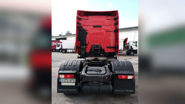RENAULT TRUCKS T 460 SLEEPER CAB