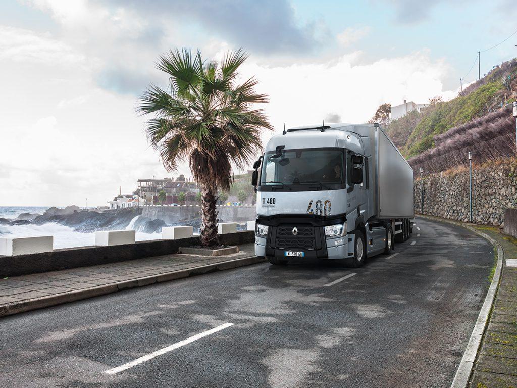 Los nuevos Renault Trucks T y Renault Trucks T High combinan el ahorro de consumo y la reducción de emisiones contaminantes con cabinas equipadas para ofrecer a los transportistas el máximo confort a bordo.