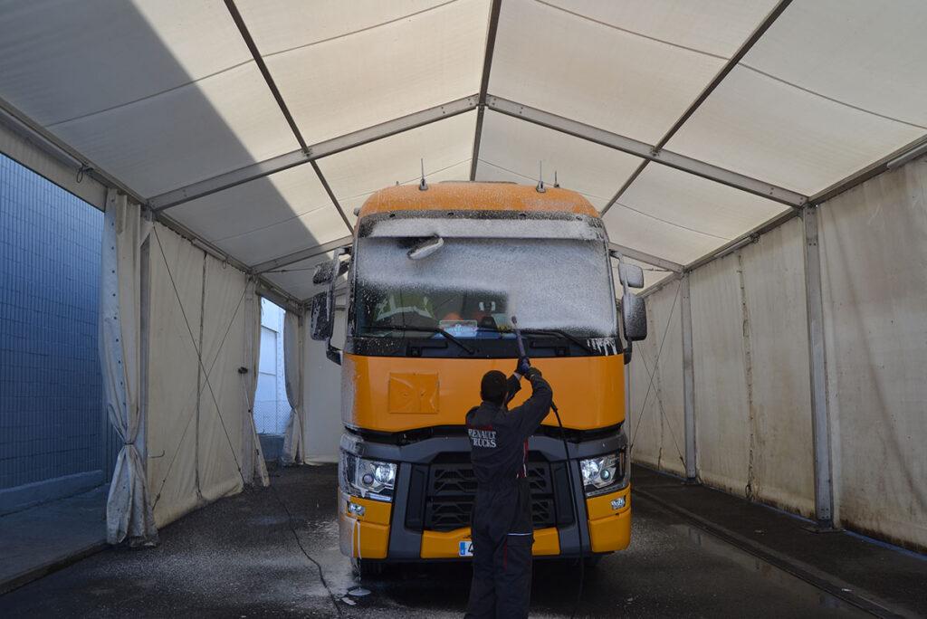 Renault Trucks en Vizcaya - Servicio de lavadero para camiones